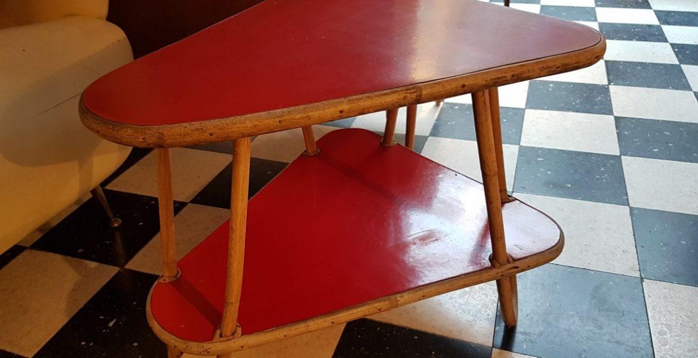 table d 39 appoint le maga bruxelles. Black Bedroom Furniture Sets. Home Design Ideas